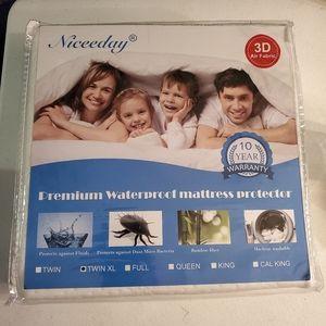 Waterproof Mattress Protector TwinXL